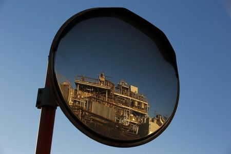 OPEC cut doubts put oil on track for biggest weekly drop in a month