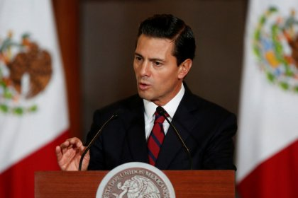 Mexico president says seeks to preserve tariff-free NAFTA trade