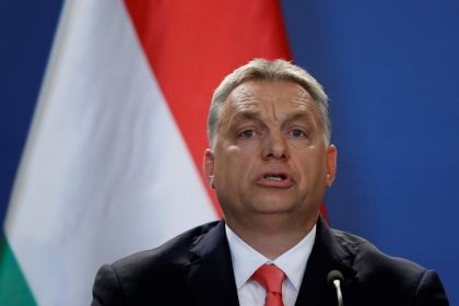 Hungarian PM offers support to Poland in row with EU